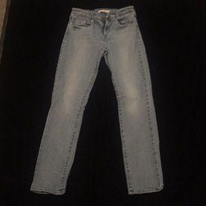 Levi Midrise Skinny jeans